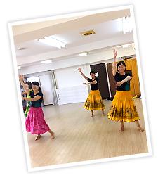 広島のフラダンス教室「アロハレイ」レッスン風景1